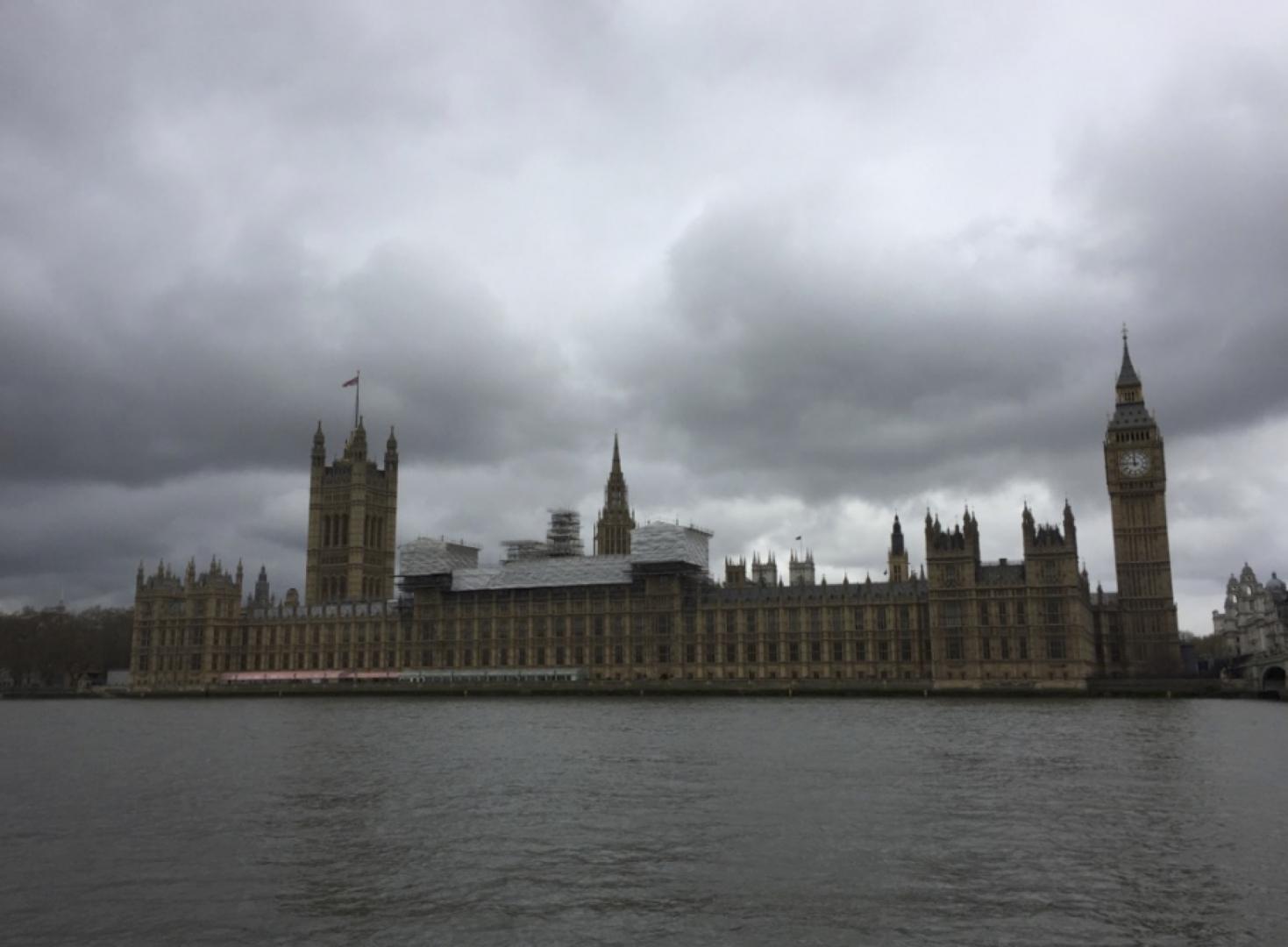 (LE TEMPS) UE - Royaume-Uni: attention aux faux-semblants, la Suisse ne peut que difficilement s'inspirer de l'accord britannique